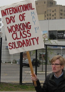 http://cpcml.ca/images2012/WorkersEconomy/MayDay/2012/Canada/120501-MayDayWindsor-23.JPG