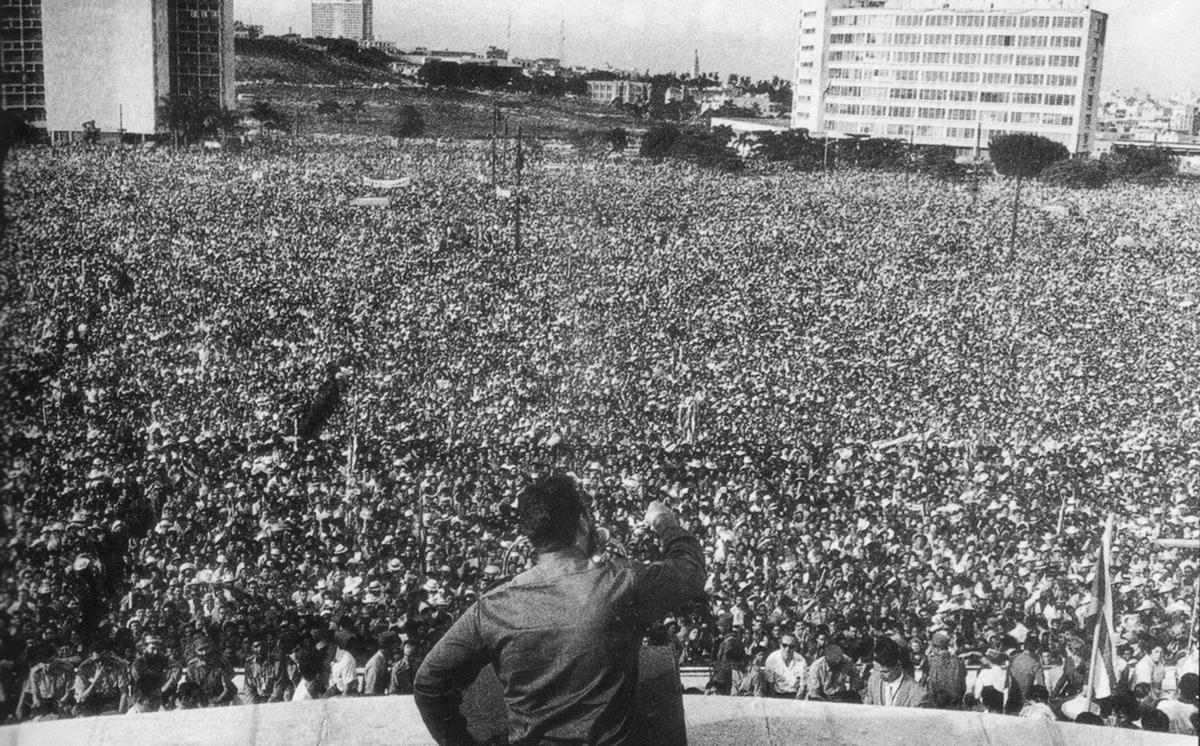 https://cpcml.ca/images2016/LatAmCaribbean/Cuba/Historical/CienImagenesCubana-p65cr.jpg